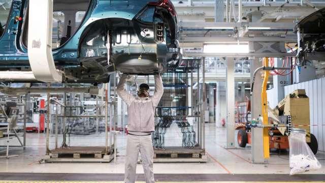 機械業8月出口值創新高。(圖:AFP)