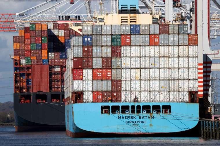 馬士基等航運業者正尋找新的方法來抵消航運的氣候足跡。 (圖片:AFP)