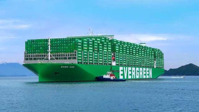 長榮將再訂造24艘全貨櫃輪。(圖:長榮提供)