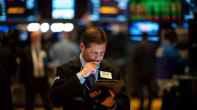 美股面臨回調風險 華爾街警示聲越來越大。(圖:AFP)