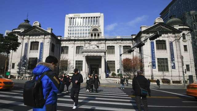 南韓央行:經濟強勁復甦 已進入升息周期(圖:AFP)