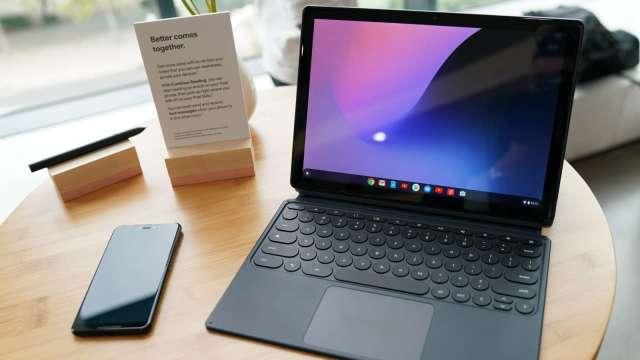 筆電出貨衰退,廣達8月營收月減10%、仁寶力守千億元。(圖:AFP)