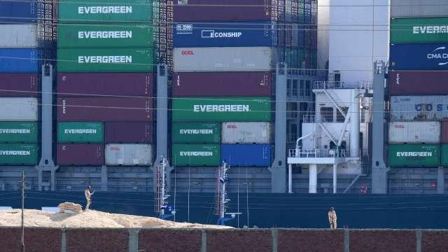 怕被制裁? 全球第五大航商赫伯羅德:運費見頂將跟進凍漲 「市場要慢慢平靜下來」。(圖:AFP)