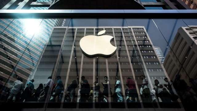 郭明錤:今年iPhone 13出貨量較同期iPhone 12高10% 均價將提高(圖片:AFP)