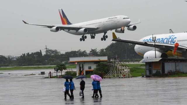疫情打亂旅遊計畫 彭博:全球航空業累積債務已達3400億美元 (圖:AFP)