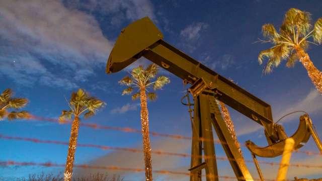 中國為抑制油價 9/24出售首批戰備儲油(圖片:AFP)