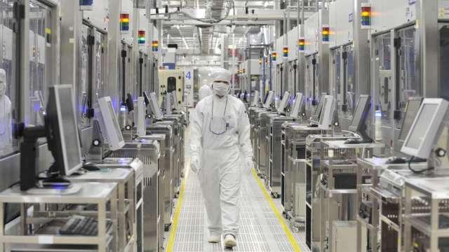 7月份日本機械訂單月增0.9% 半導體等需求貢獻大 (圖片:AFP)