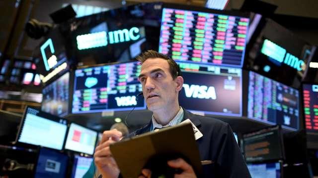 方舟女股神:美國經濟放緩 將提振成長股(圖片:AFP)