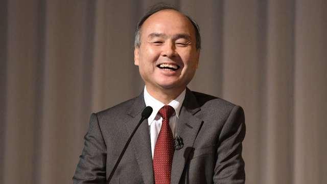 軟銀孫正義:「智慧型機器人」是日本復活關鍵!(圖片:AFP)