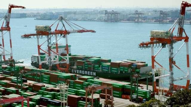 日本8月進出口報6353億日圓入超 大幅遜於市場預測 (圖片:AFP)