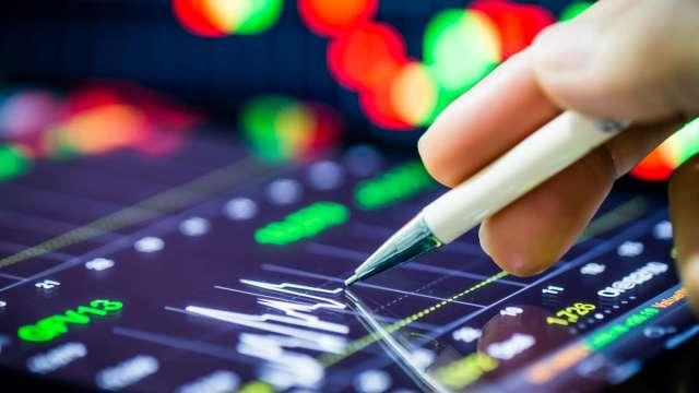 台股成交今年新低量,中秋前繼續關前震盪(資料來源:shutterstock)