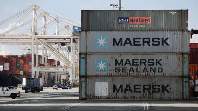 海運運費居高不下 馬士基再調升全年獲利展望 (圖:AFP)