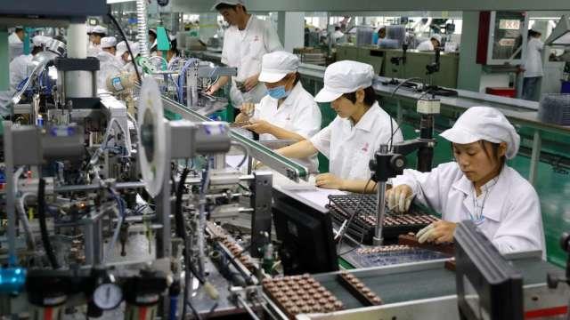 製造業景氣熱 8月徵才人數月增25%。(圖:AFP)