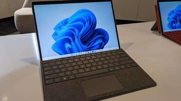 微軟 Surface Pro 系列迷你版平板電腦 Surface Pro 8(圖片來源:Microsoft)