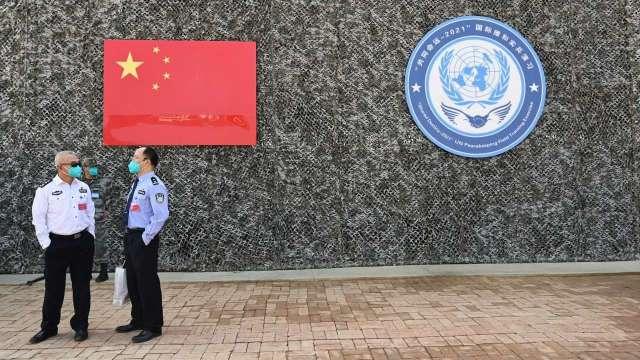 中國限電大刀傳砍向PVC 報價向上台廠受惠。(圖:AFP)