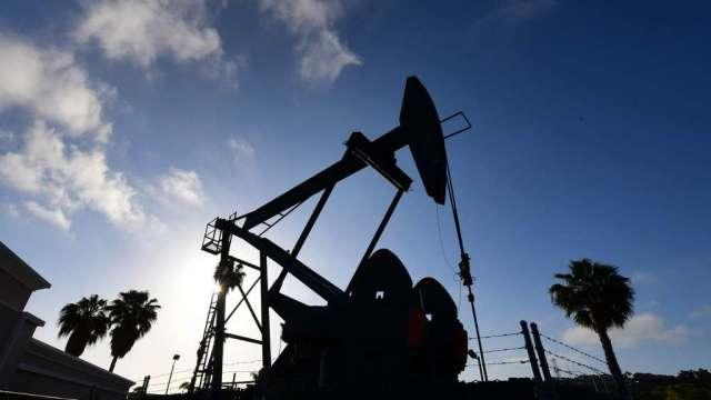 高盛警告:如果今年冬天比平常冷 油價恐衝上90美元(圖:AFP)