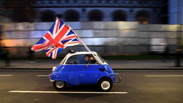 英國央行下修Q3經濟增長預期 示警年底通膨將略高於4% (圖:AFP)