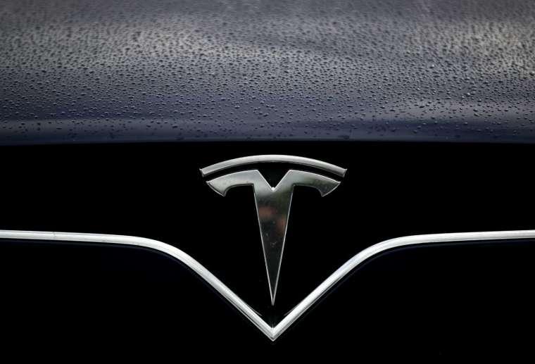 多名消息人士透露,三星將打敗台積電拿下特斯拉新款自動駕駛晶片 HW 4.0 的訂單 (圖片:AFP)