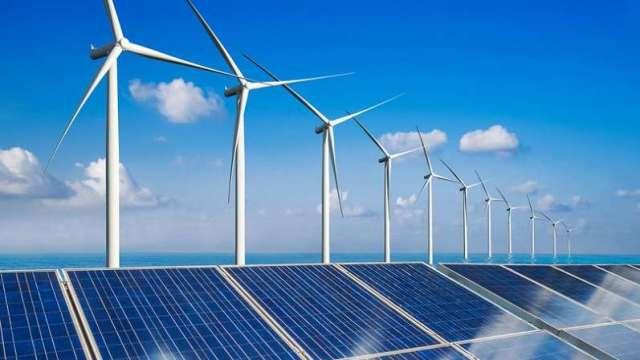 當大量間歇性的再生能源併入電網時,會影響電網的穩定、安全,對電力調度是一大挑戰,需要由供電端及需求端共同努力,以維持電網的供需平衡。(圖:工業技術與資訊月刊)