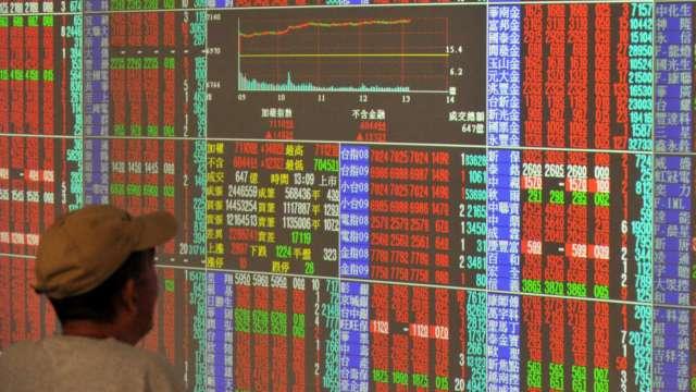 〈焦點股〉中國紙廠齊漲價 工紙三雄可望跟漲帶量噴出。(圖:AFP)