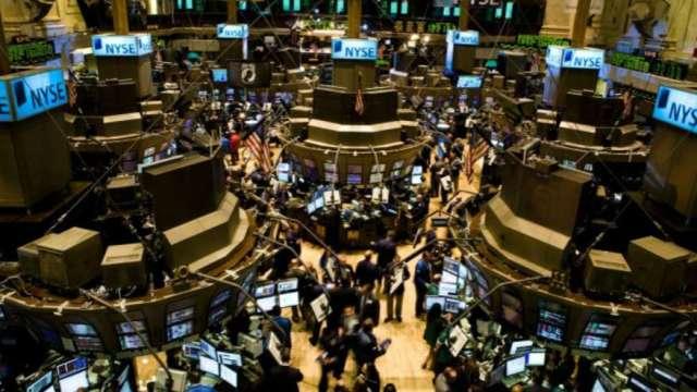 〈美股盤後〉恒大危機+限電風暴 美股本週開局低迷(圖片:AFP)