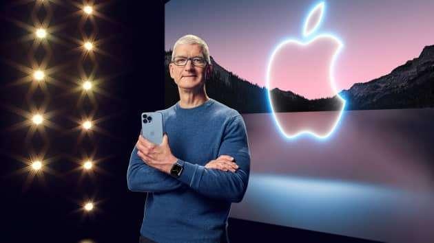 蘋果今年推出了 iPhone 13 再度不附充電器 (圖片:AFP)