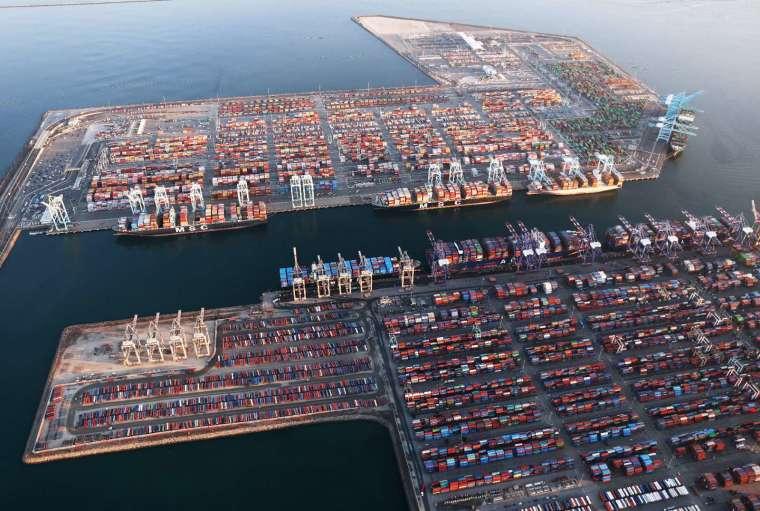 美西塞港持續惡化,中國限電政策又來一重擊 (圖片:AFP)