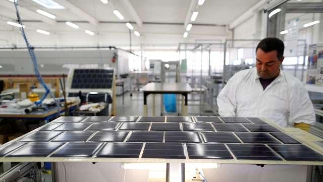 太陽能裝機量增EVA價飆漲 台聚證實客戶提貨需求增加。(圖:AFP)