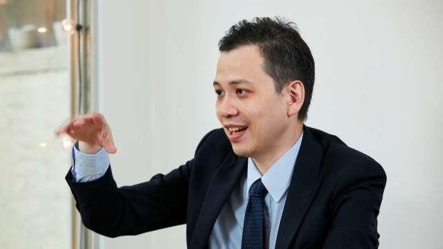 他堅持不做產品推銷員 專訪財富管理精品顧問。(圖: 鉅亨網攝影)