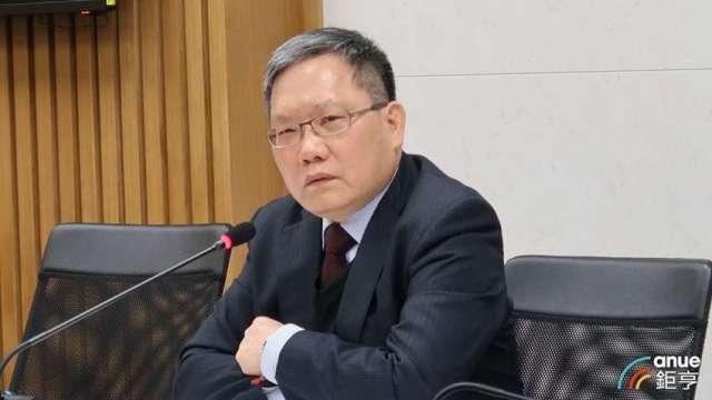 財政部長蘇建榮強調,國安基金會密切注意國際股市走勢。(鉅亨網資料照)