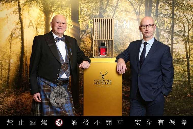 (左) 廷漢企業有限公司董事長 - Mike-Cottingham - 柯廷漢 (右)廷漢企業有限公司執行長 - Steven-Parker