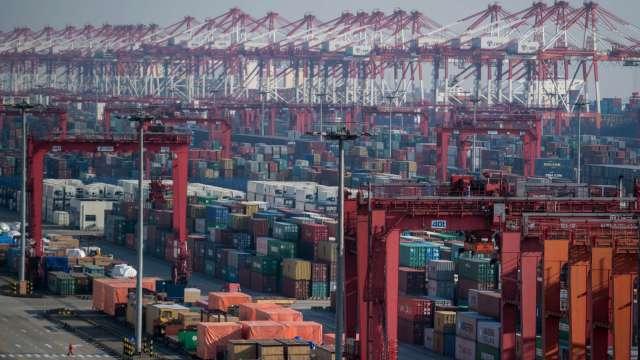 紓解塞港壓力 白宮擬推計畫助美西港口實現全天候營運 (圖:AFP)
