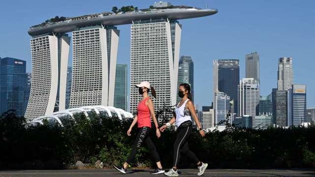 新加坡央行三年來首度收緊貨幣政策 跟進南韓、紐西蘭等國 (圖:AFP)