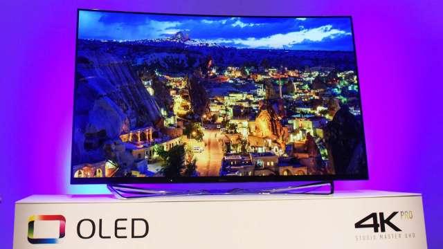 日經:上季OLED面板行情再度下滑 和製造商增產有關 (圖片:AFP)